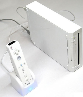 Thanko Wiimote USB Charger