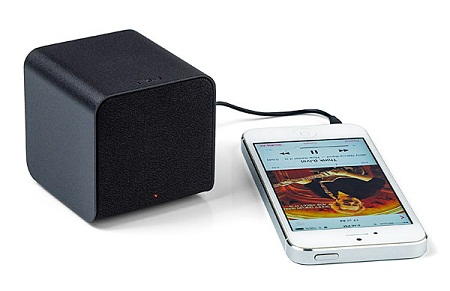 nuforce_cube_speaker_headphone_amp