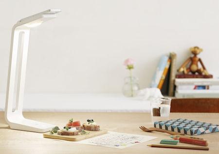 snaplite-desk-lamp-scanner-iphone-5