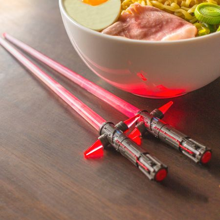 kylo-ren-light-up-chop-sabers
