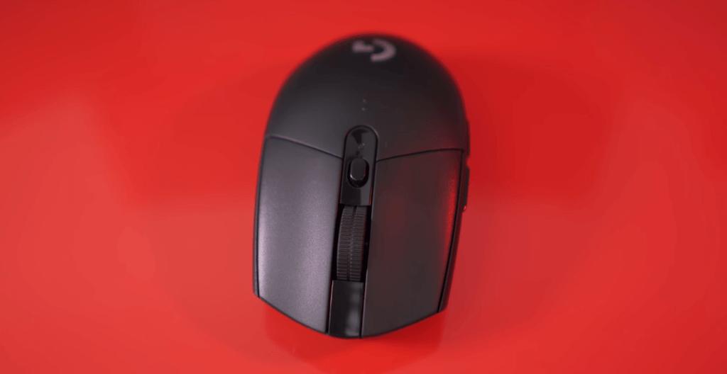 Logitech G305 Lightspeed top