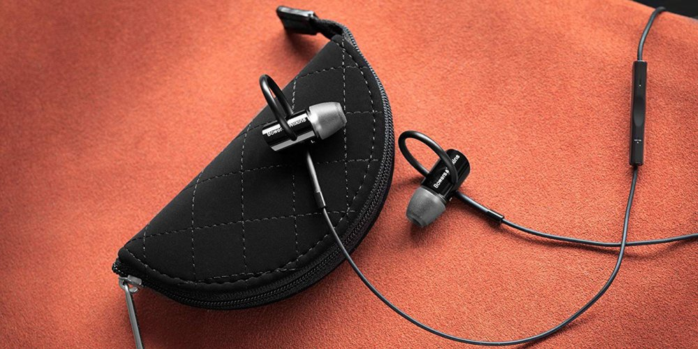 Bowers & Wilkins C5 Series 2 and bag