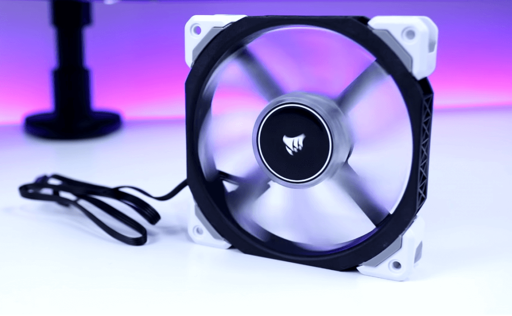 Corsair ML120 Pro LED spinning