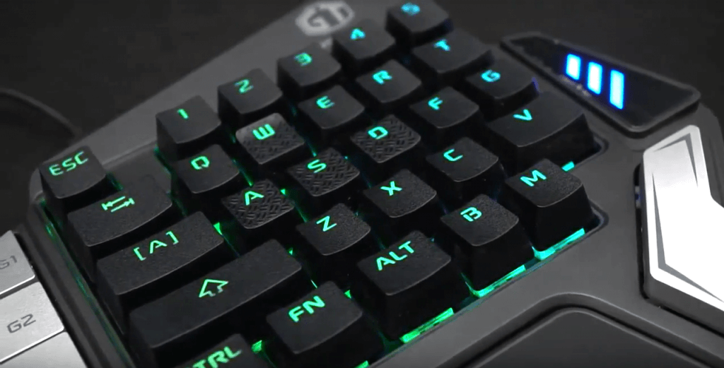 Delux T9X switches textured WASD keys