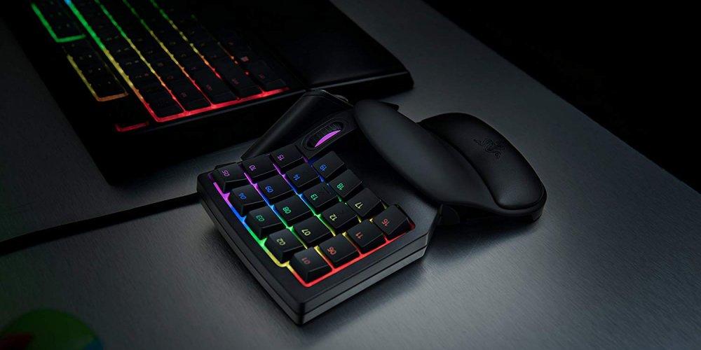Razer Tartarus V2 on desktop