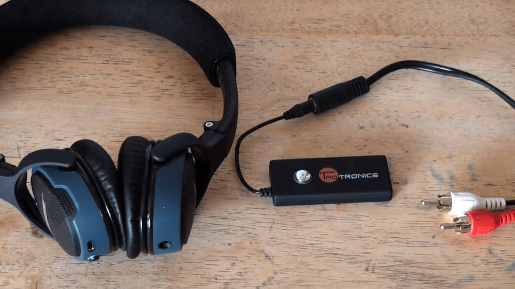 TaoTronics TT-BA01 and headphones