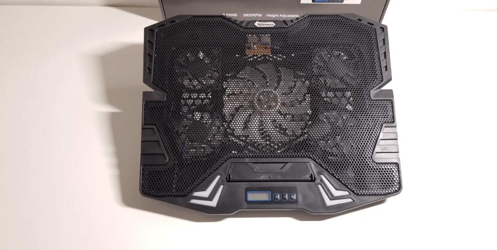 TopMate C7 Gaming Laptop Cooling Pad open turned off