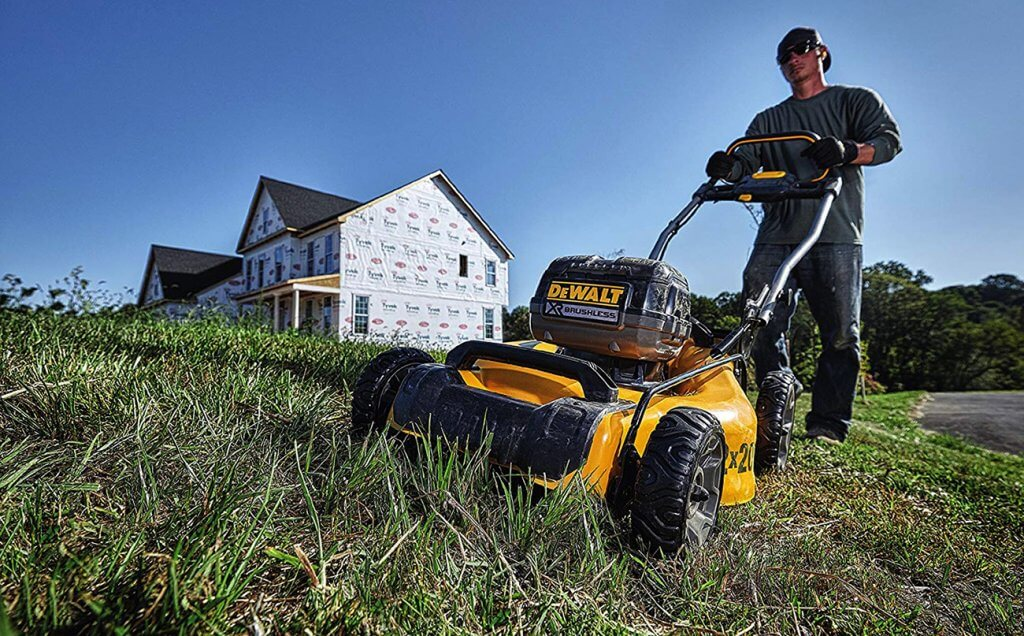 Dewalt 2×20-Volt Cordless Lawn Mower on grass