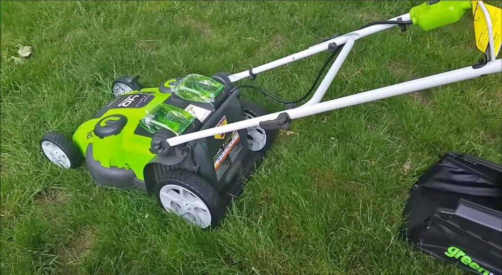 Greenworks Twin Force Cordless Lawn Mower unboxed