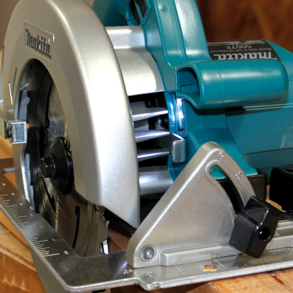 Makita 5007F Circular Saw close-up