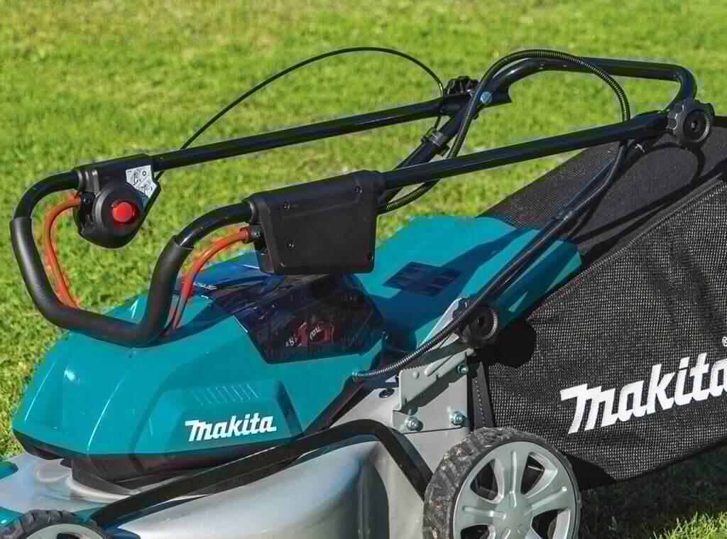 Makita XML03PT1 18-Volt Cordless Lawn Mower folded