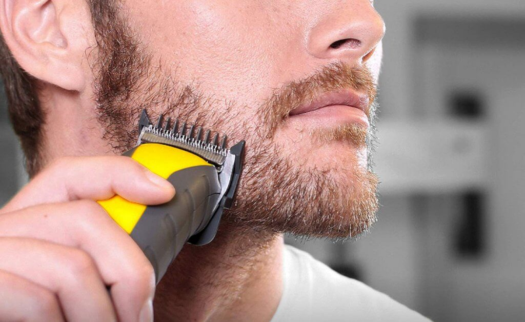 Shaving with the Remington Virtually Indestructible