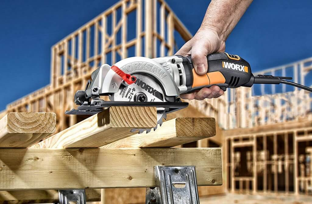 WORX Worxsaw 4-12 Inch Compact Circular Saw WX429L on 4 by 2