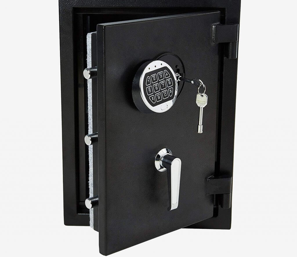 AmazonBasics 1.24 Cu. Ft Fireproof Safe keylock