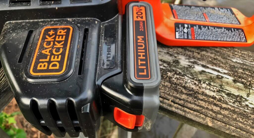 BLACK+DECKER LCS1020 Cordless Electric Chainsaw battery