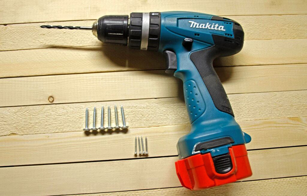 Cordless Drill and Screws