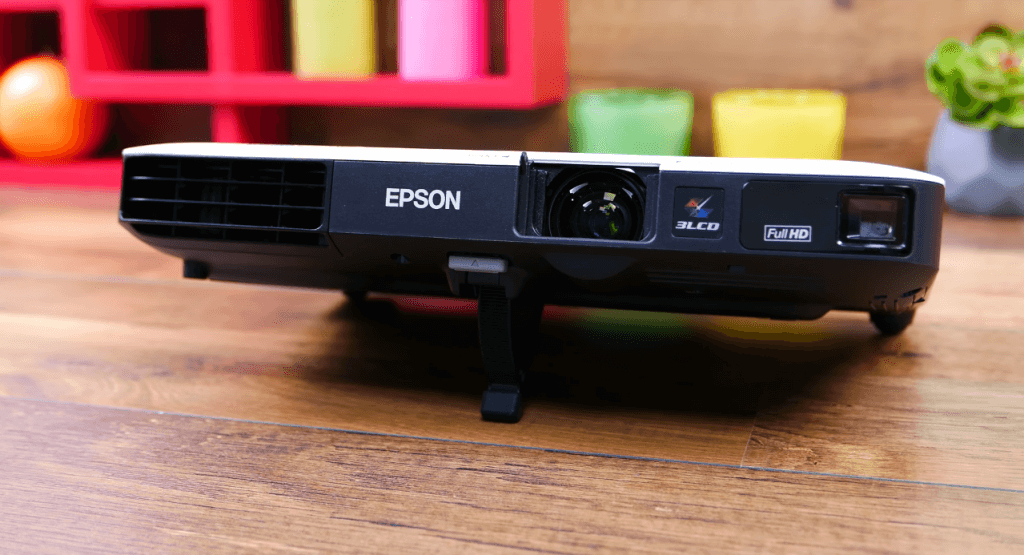 Epson PowerLite 1795F 3LCD on table