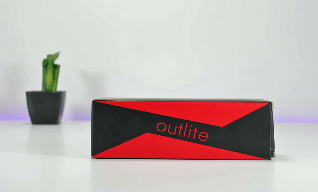 Outlite A100 Tactical Flashlight box