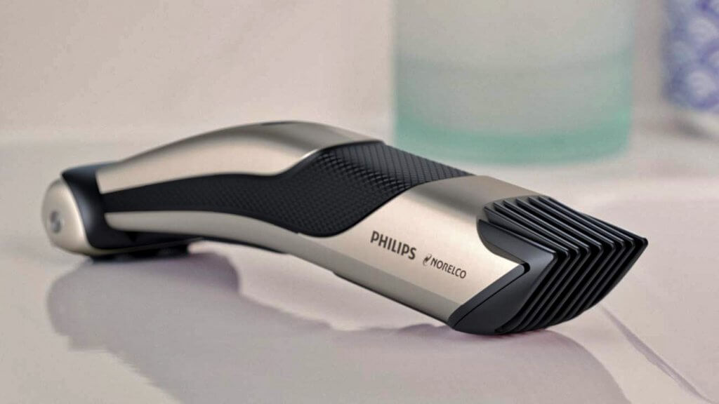 Philips Norelco Bodygroom Series 7000 side