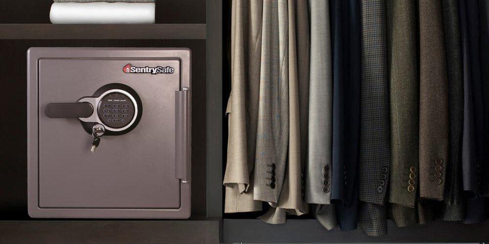 SentrySafe SFW123GDC Fireproof Home Safe
