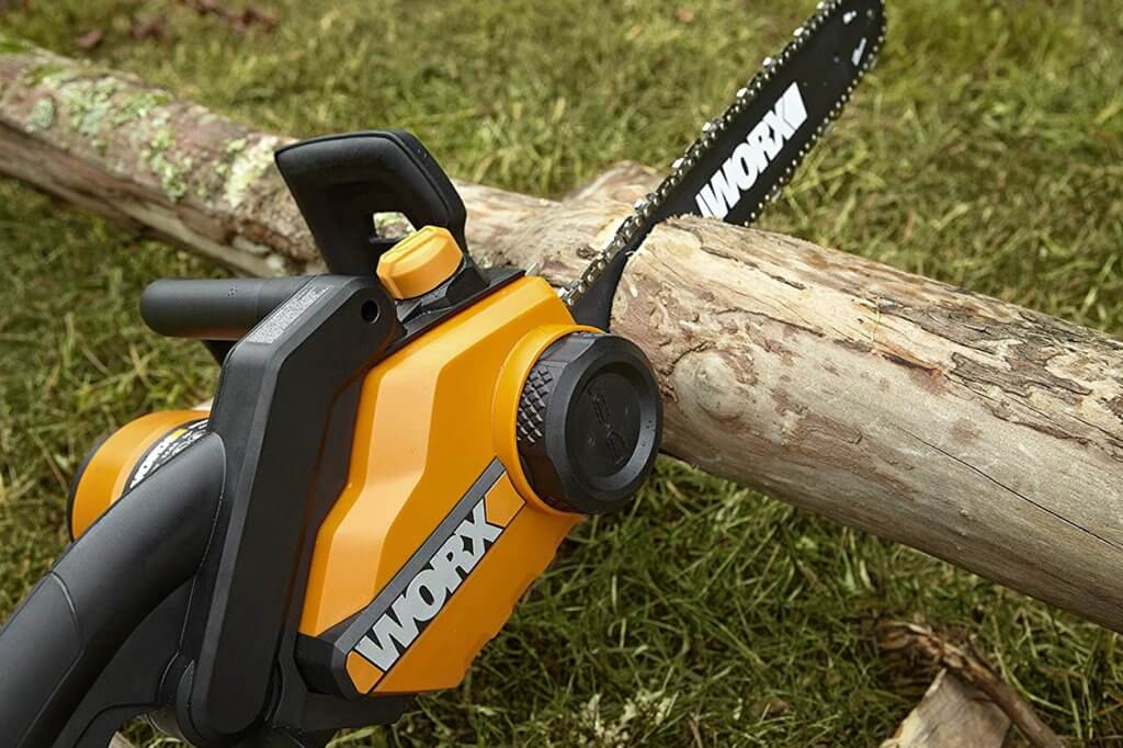 WORX WG303.1 Electric Chainsaw stuck in log