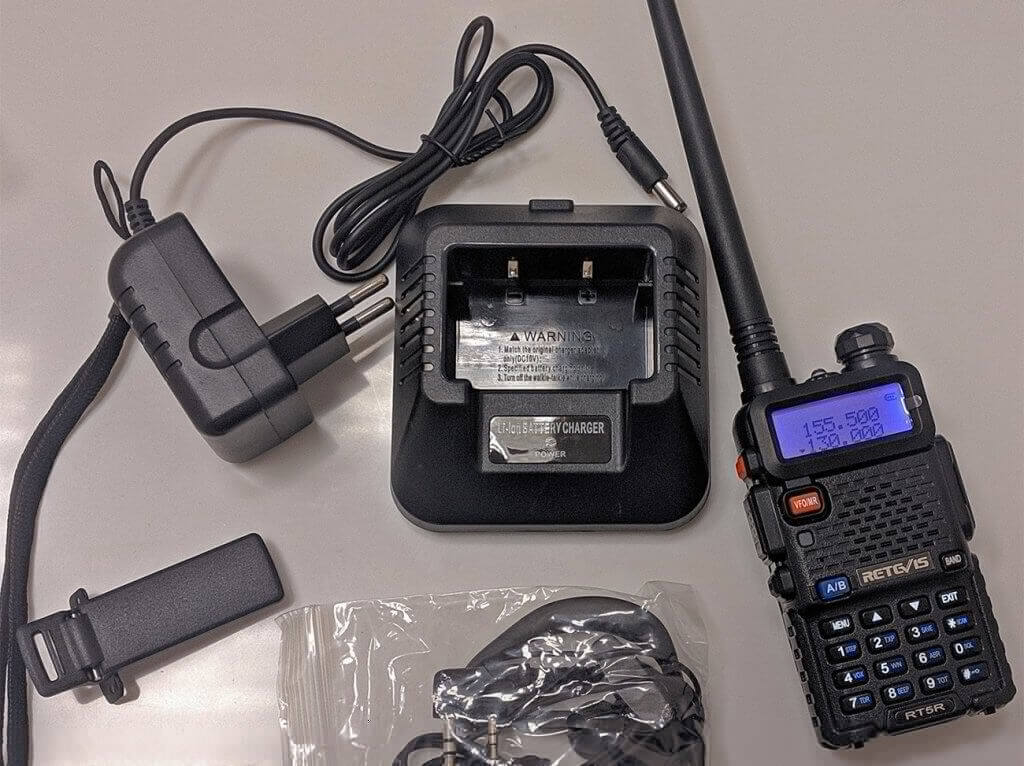 Retevis RT-5R walkie talkie and accessories