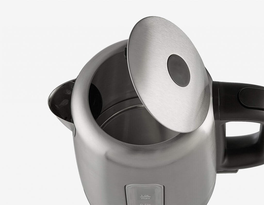AmazonBasics Electric Kettle with open lid
