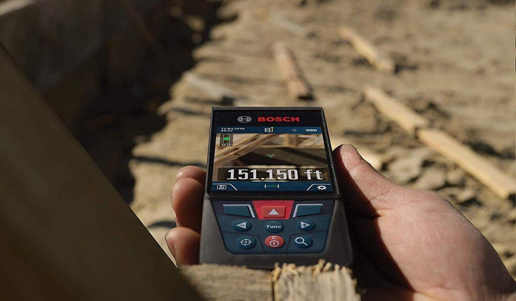 BOSCH GLM400CL on construction site