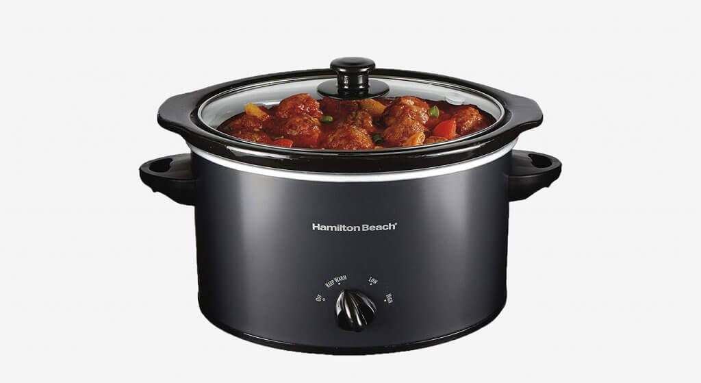 Hamilton Beach 33231 Slow Cooker with meat inside
