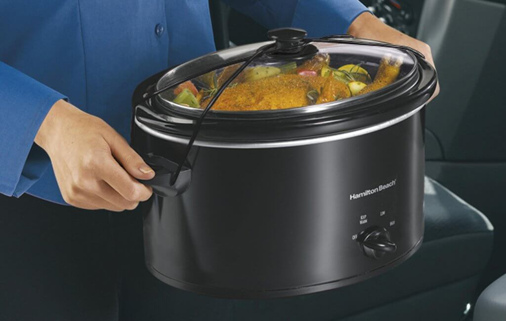 Hamilton Beach 33231 Slow Cooker with dinner ready to serve