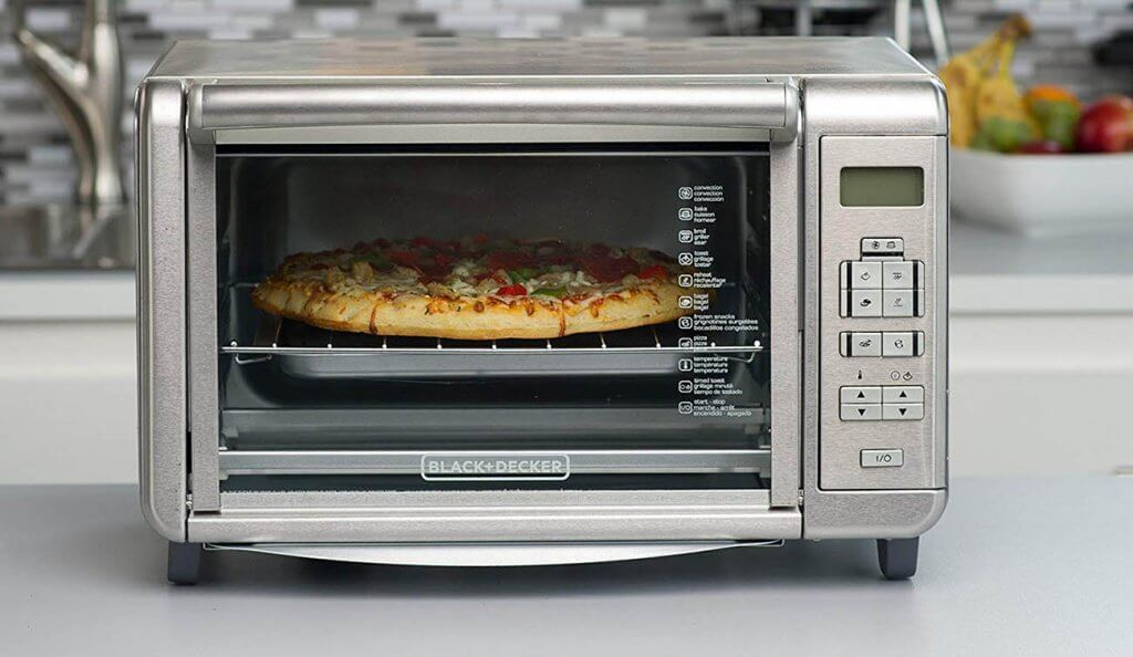Pizza made in he BLACK+DECKER B00QNUBM12