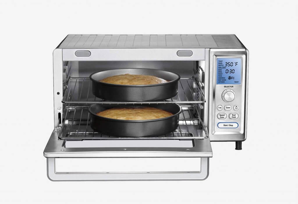 Cuisinart TOB-260N1 Chef's Convection Toaster Oven used for pie