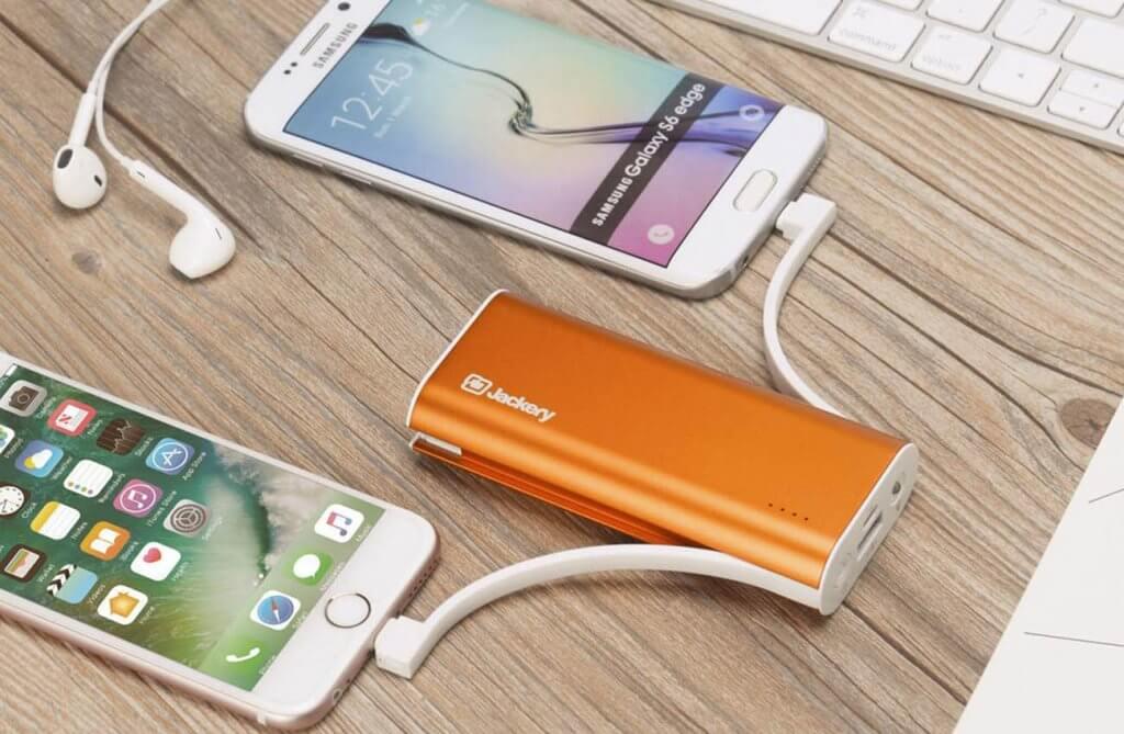 Jackery Bolt 6,000 mAh Portable Power Bank charging smartphones