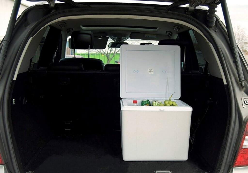 Koolatron P75 36-Quart Kool Kaddy in the trunk