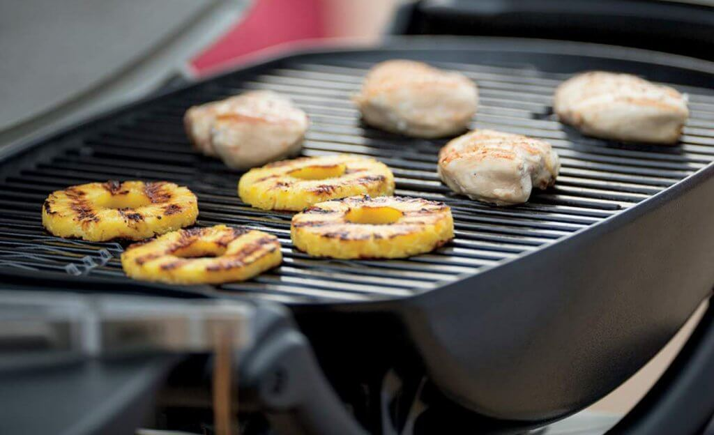 Weber Q2200 Liquid Propane Grill use for a BBQ