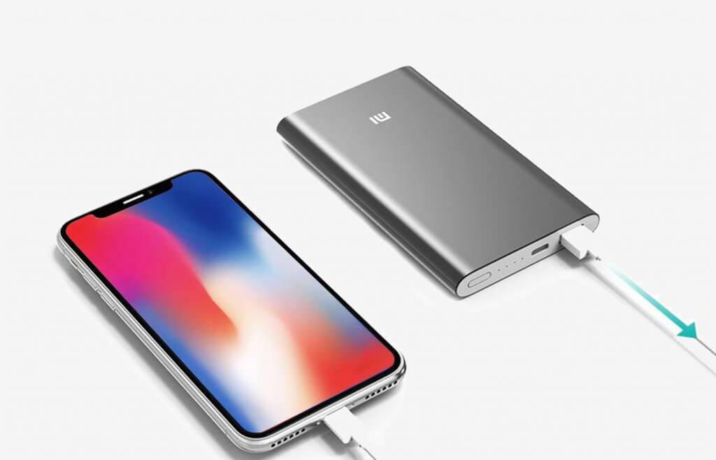 Xiaomi Mi Slim Power Bank Pro and iPhone