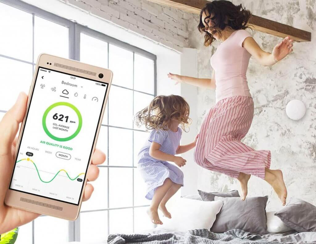 Smartphone app of the Airthings Wave Plus Indoor Air Quality Monitor