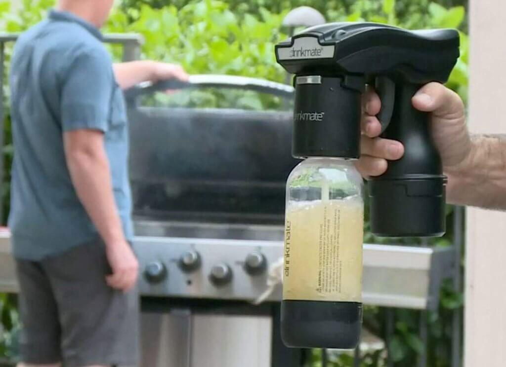 Portable DrinkMate Spritzer used outdoors
