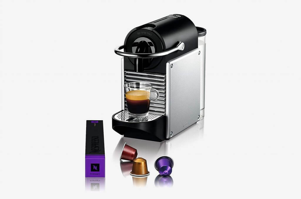 Nespresso by De'Longhi EN125SAE and coffee capsule