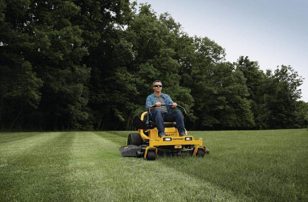 Zero Turn Lawnmower cutting grass