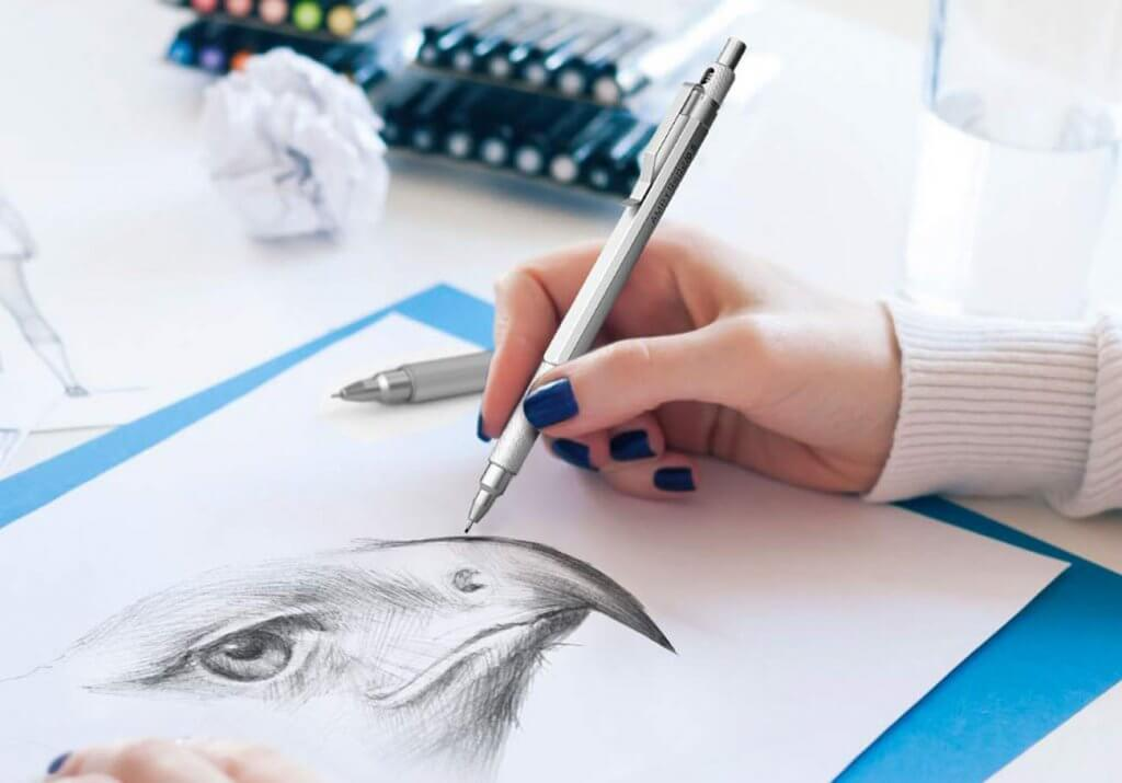 drawing with a mechanical pencil
