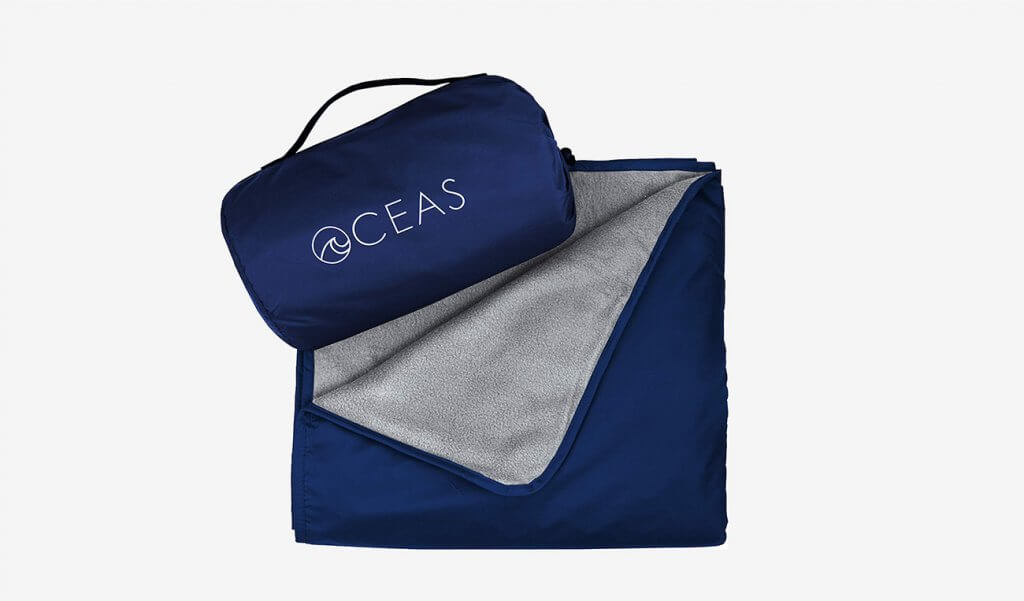 Oceas Extra-Large Outdoor Waterproof Blanket