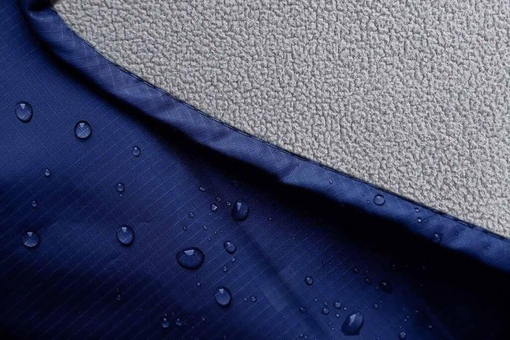 Water on the Oceas Extra-Large Outdoor Waterproof Blanket