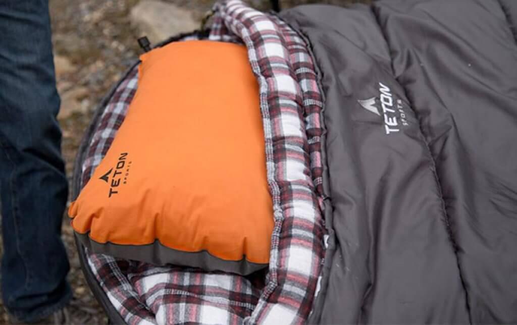 TETON Sports ComfortLite Self-Inflating Pillow and sleeping bag