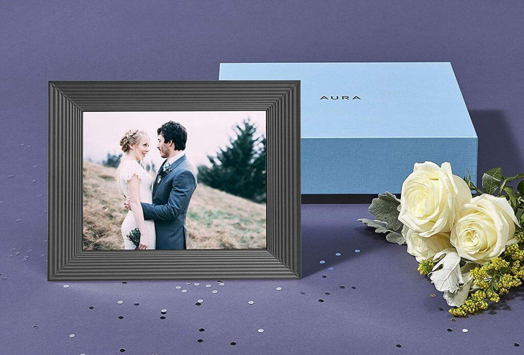 Aura Frames Digital Picture Frame in giftbox