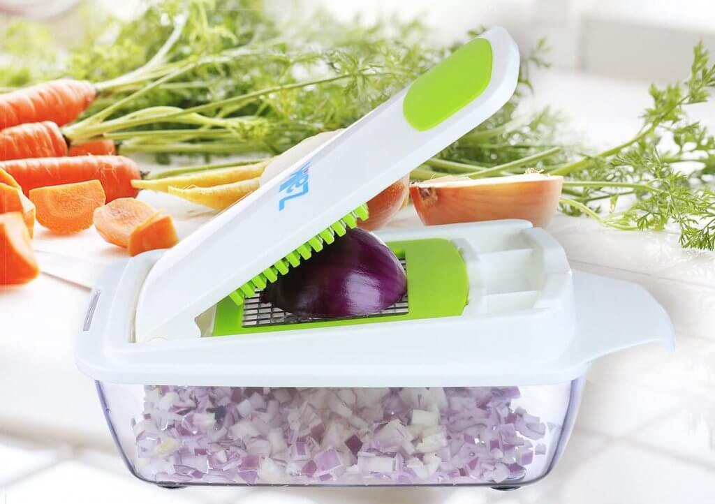 Vegetable Chopper and onion