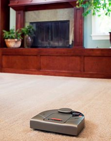 Neato_XV-11_on-carpet