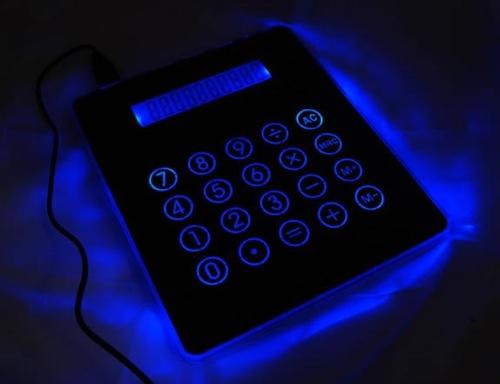 calculator-mousepad-usb-hub_1