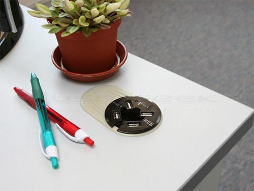 in-desk-usb-hub_3