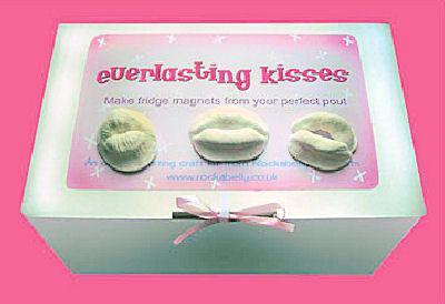Kiss Magnets